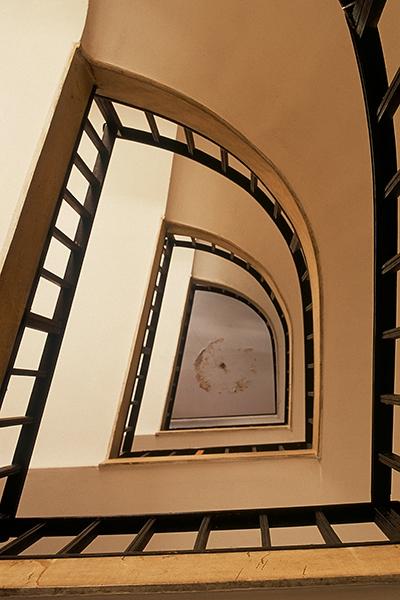 Rezension: Yigal Gawze. Form and Light. From Bauhaus to Tel Aviv. Chenziner House