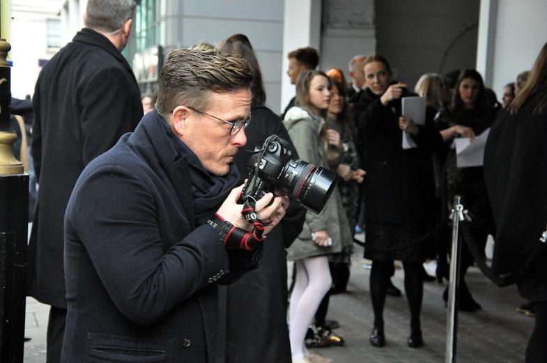 TVTipp: Wir sind Fashion! Modeblogger Scott Schuman fotografiert auf der Londoner Fashion Week