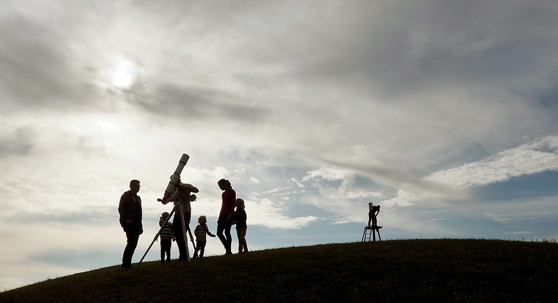 TVTipp: Die Sterngucker. Familie späht in den Himmel, Gahberg