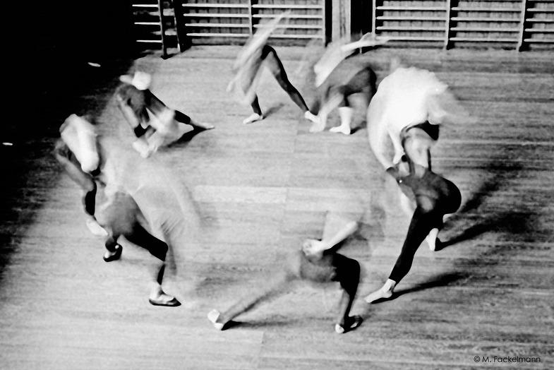 Michael Fackelmann. DON'T STOP THE DANCE